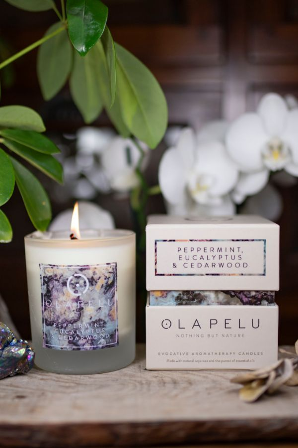 OLA PELU // Peppermint, eucalyptus and cedarwood natural candle box and candle shot, Yoga mallorca