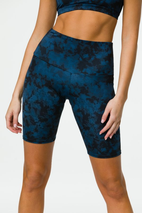ONZIE // HIGH RISE BIKER SHORT - IRON WASH
