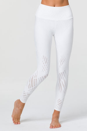 SEA YOGI // Onzie Selenite 7/8 Legging in Pearl - front picture