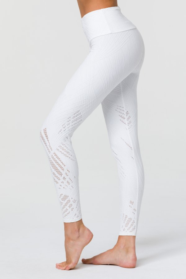 SEA YOGI // Onzie Selenite 7/8 Legging in Pearl, left side mesh pattern