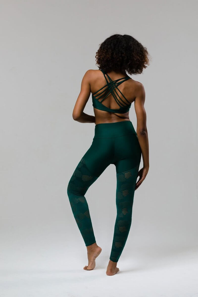 SEA YOGI // Chic Bra de Onzie en Alpine, back