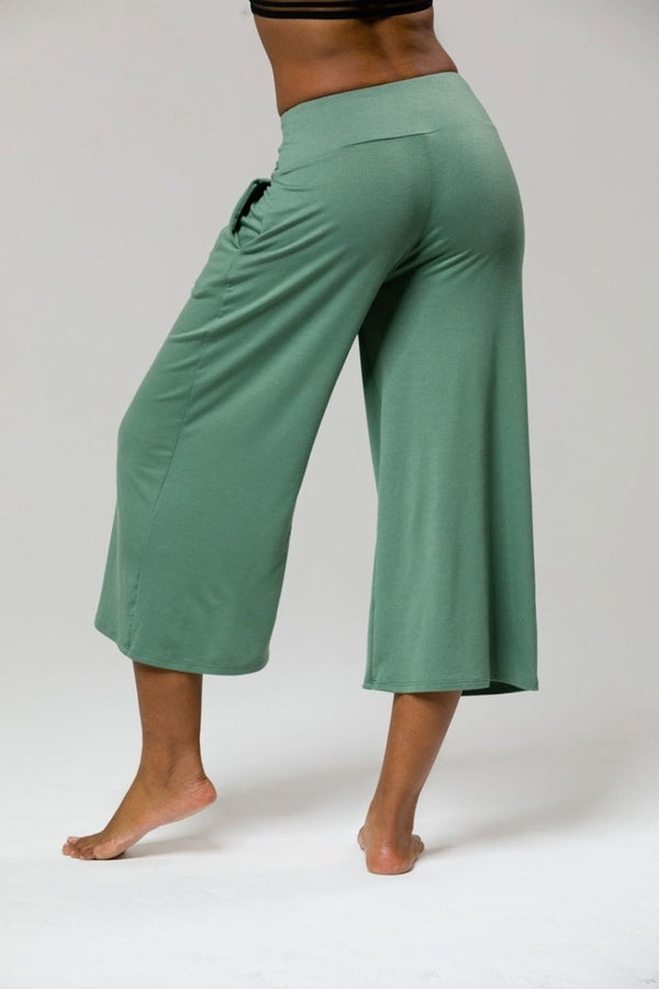 SEA YOGI // Wide leg crop yoga pants in green from Onzie, back