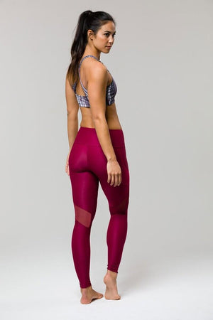 SEA YOGI // Royal Legging de Onzie en burdeos, derecha