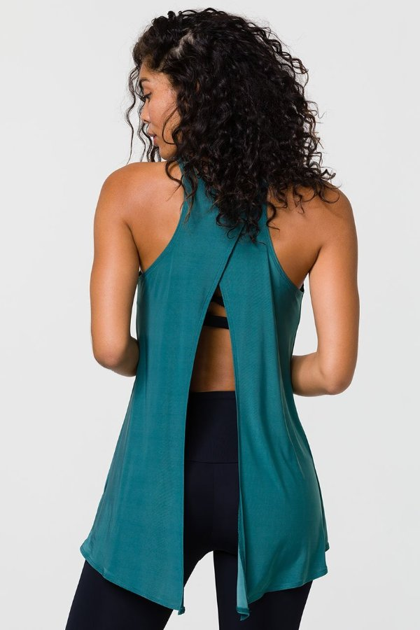 SEA YOGI // Onzie tie back tank in pale cacti, Yoga top back