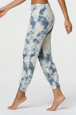 SEA YOGI // Onzie weekend jogger in tie dye, left