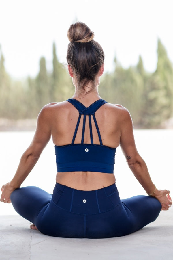 RUN & RELAX // TECH SPORTS BRA - MIDNIGHT BLUE