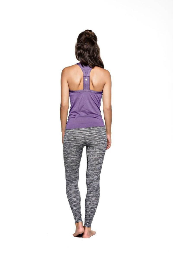 SEA YOGI // Run & Relax Wide strap open back camiseta en light shadow purple, back