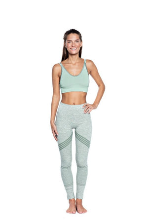 SEA YOGI // Run and Relax, Bandha Arrow stripe tights en moss green and white