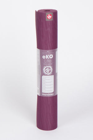 SEA YOGI // eko Lite yoga mat in 4mm and Acai style by Manduka, Online Yoga Shop, standing