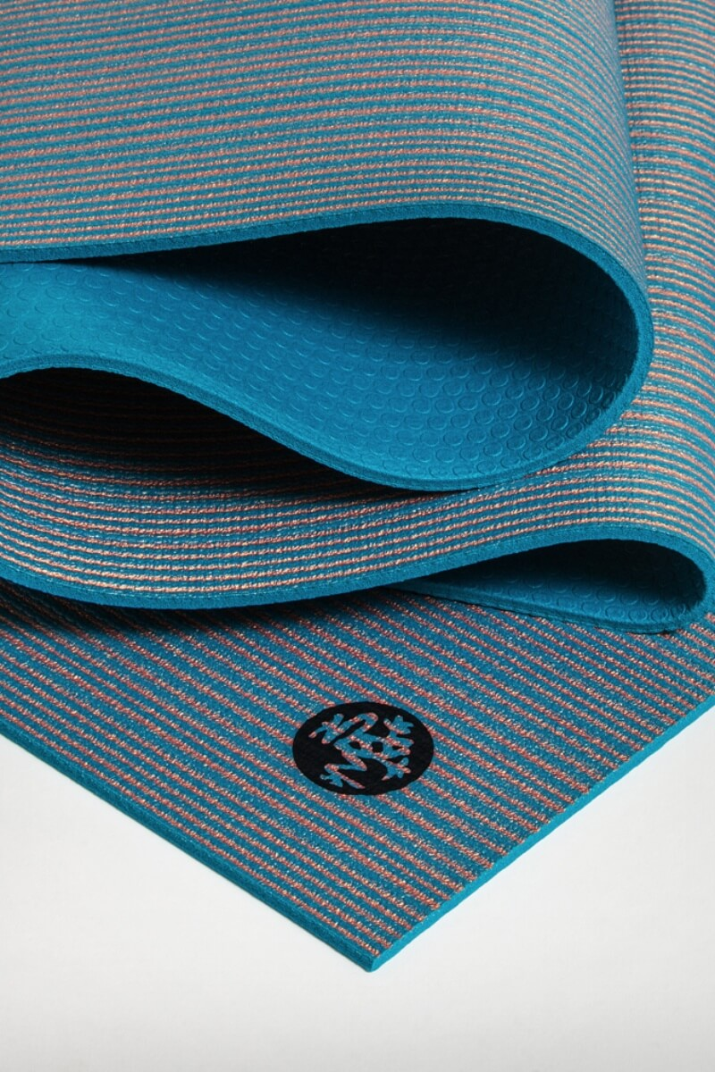 SEA YOGI // Curiosity Pro lite Yoga mat in 5mm by Manduka, Online Yoga Store, zoomed in