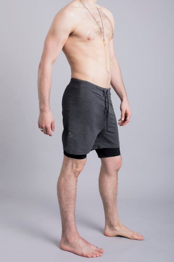 SEA YOGI // 2-Dogs Lined yoga shorts for men in Graphite Grey by Ohmme, Online Yoga Shop, right second