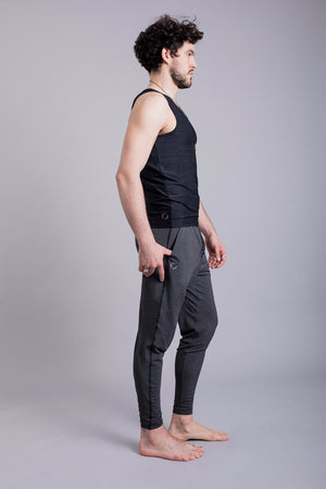 SEA YOGI // Vajra II Mens Yoga Vest for Men in Black by Ohmme, Tienda de Yoga online, side