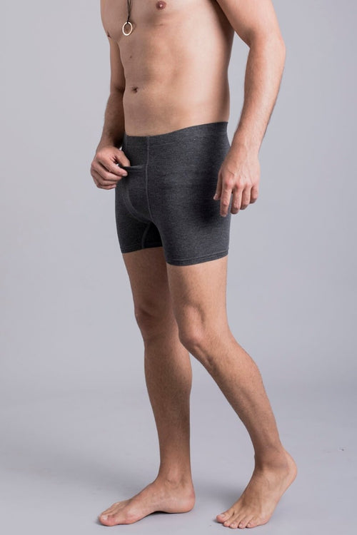SEA YOGI // Zhu Bamboo boxer shorts in dark grey by Ohmme, Tienda de Yoga, side