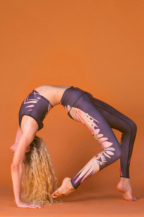 SEA YOGI // Teeki Jungle Eyes Hot Pants Leggings Side Urdhva dhanurasana side image