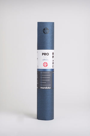 SEA YOGI // Prolite mat, 5mm thick and in Opalescent Affinity style by Manduka, standing image