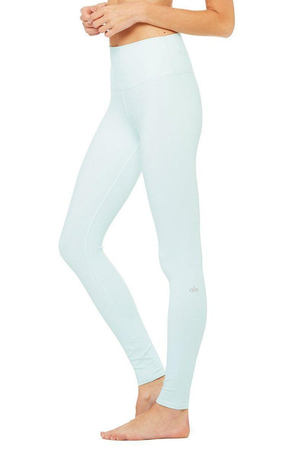 Sea Yogi - Alo Yoga Airlift Leggings in Marine light Blue side - tienda de yoga