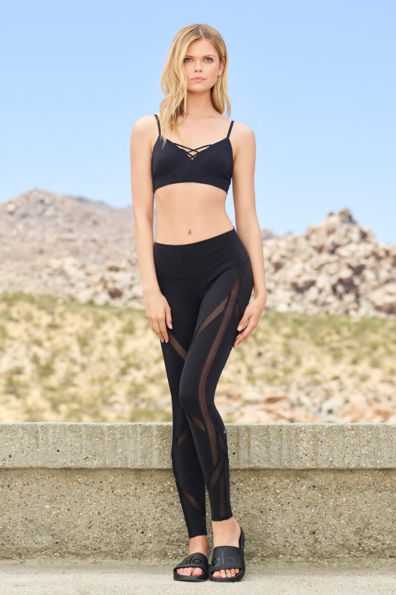 Sea Yogi Alo Yoga Interlace Bra Black Lifestyle image