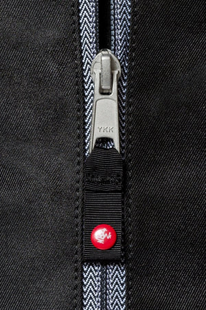 Sea Yogi - Go Light Yoga Mat Carrier from Manduka in Black - zipper detail