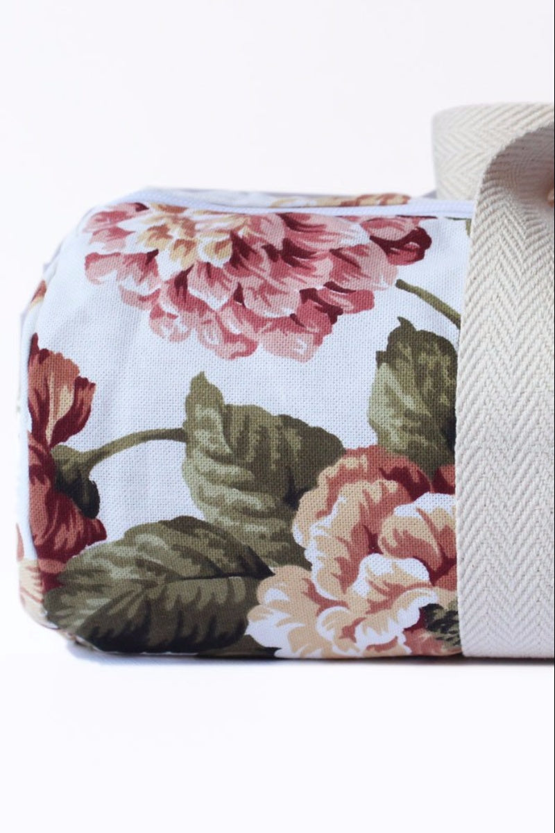 SEA YOGI // Yoga Bag in Agape Flowers Style, by Nina Adams and zoomed image