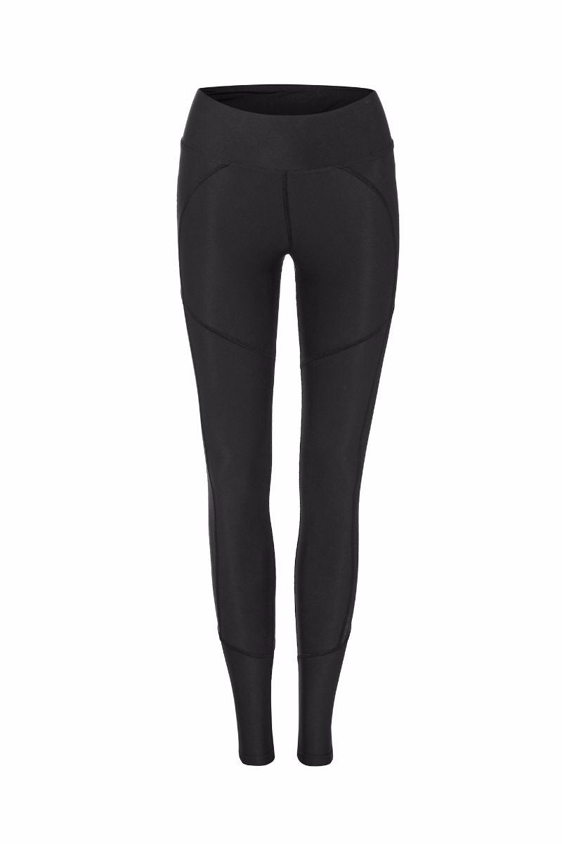 DHARMA BUMS DBX PERFORMANCE COMPRESSION LEGGING IN BLACK AND BACK ZOOMED IMAGE