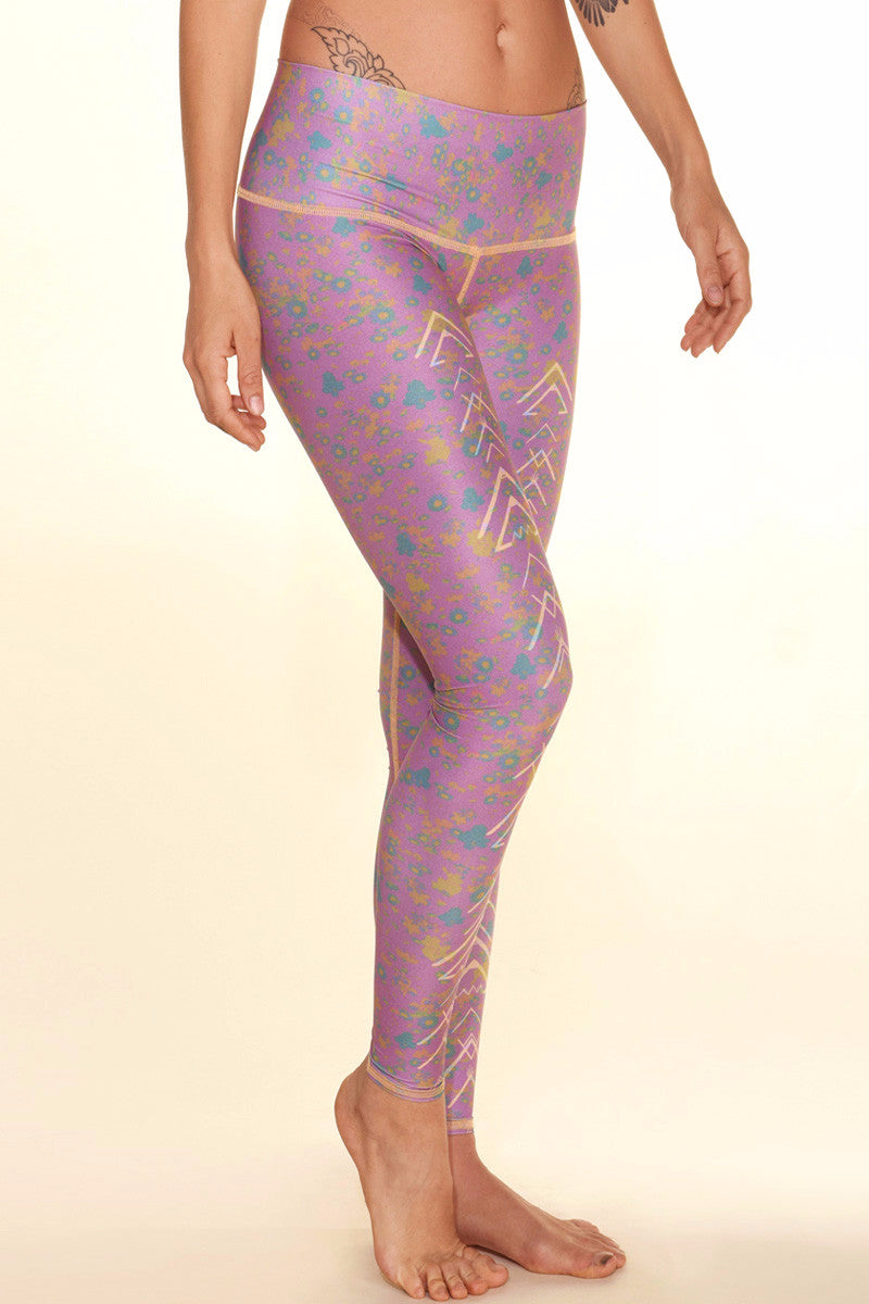 TEEKI MEADOW HOT PANT FRONT SIDE IMAGE - Sea Yogi