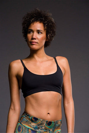 SEA YOGI Elastic Bra in Black by Onzie, Tienda de Yoga Online, front
