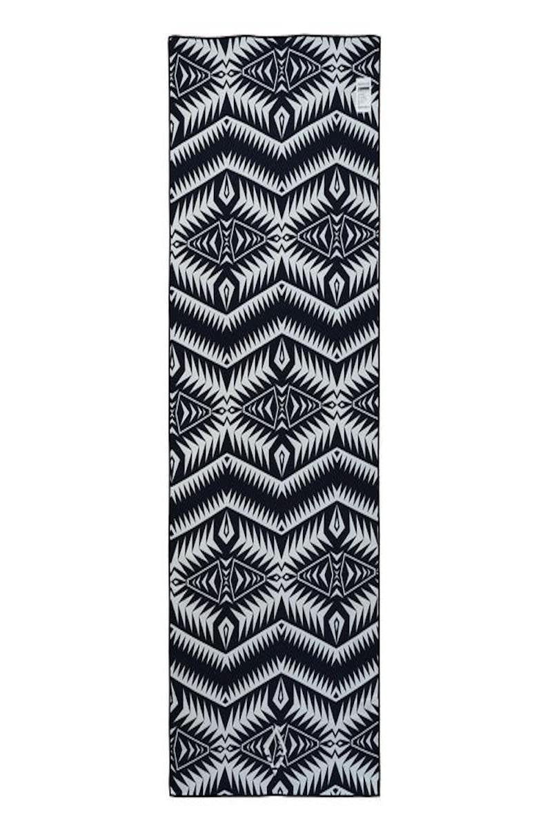 Nomadix Double sides Yoga and Beach towel in Cayambe Earth style, back image - Sea Yogi