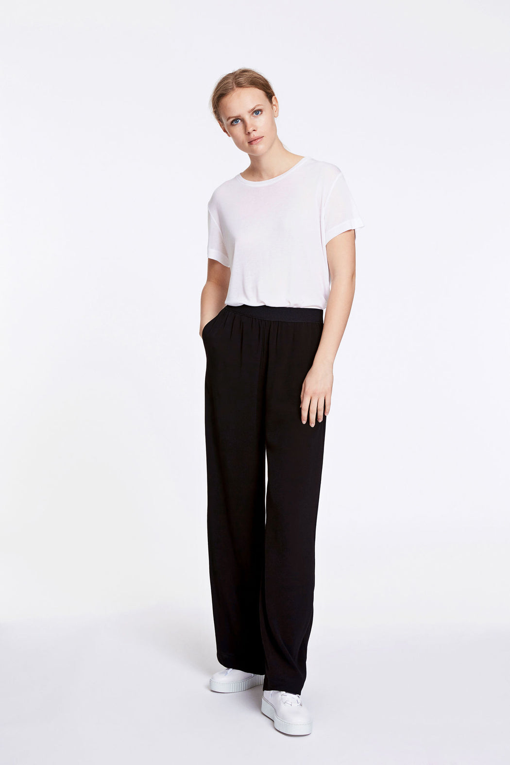 Nessie Pants Black