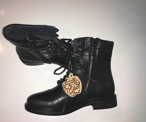 Tay Mid Boot Black