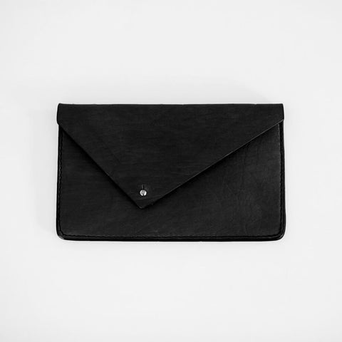 vegetable-tanned-leather-clutch