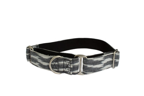 Ikat B&W Martingale Collar