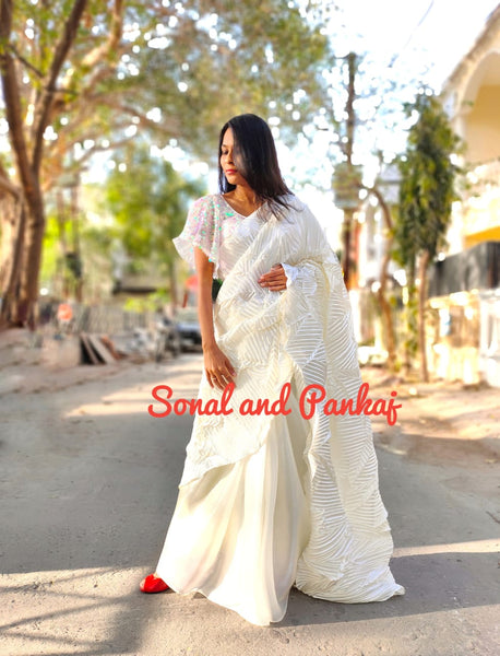 White Crushed Pallu Saree - SA00420