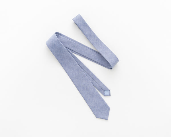 Light jeans blue tie