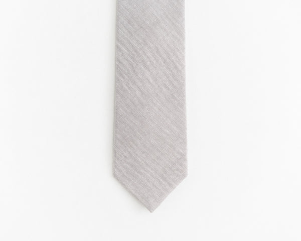 Light grey tie