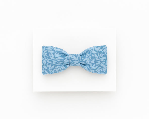 Light blue floral bow tie, light blue boho wedding groomsmen bow tie - Isola bow tie