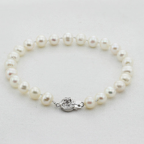 Linda Collection 100% real natural freshwater pearl bracelet with beautiful silver clasp
