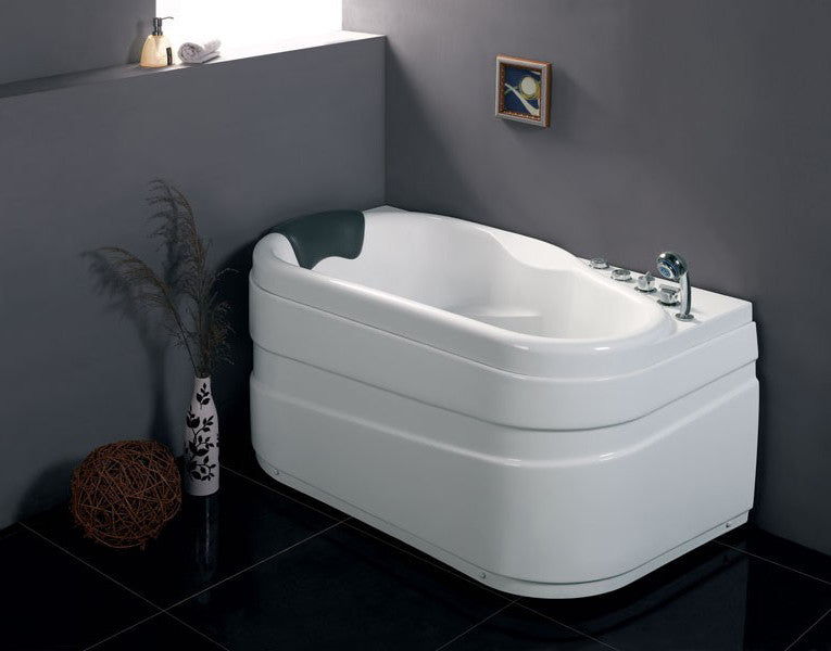 EAGO AM175-R  5' White Acrylic Corner Whirpool Bathtub - Drain on Right