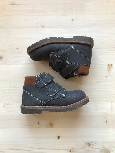 Winter Boots with Velcro Straps