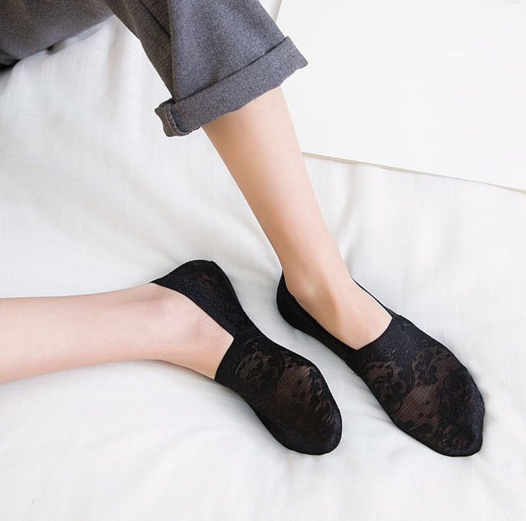 No-Slip Lace Sneaker Socks, Black
