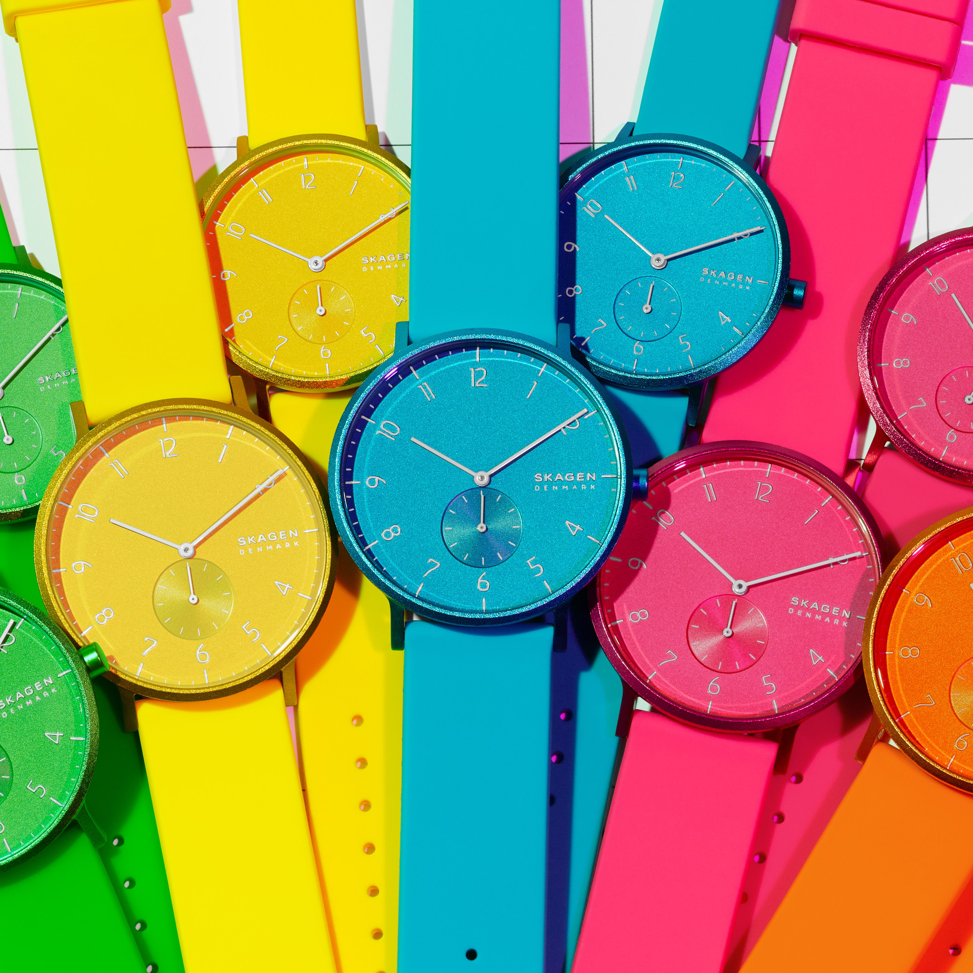 【NEW】Aaren Kulor Neon Blue Silicone 41mm Watch