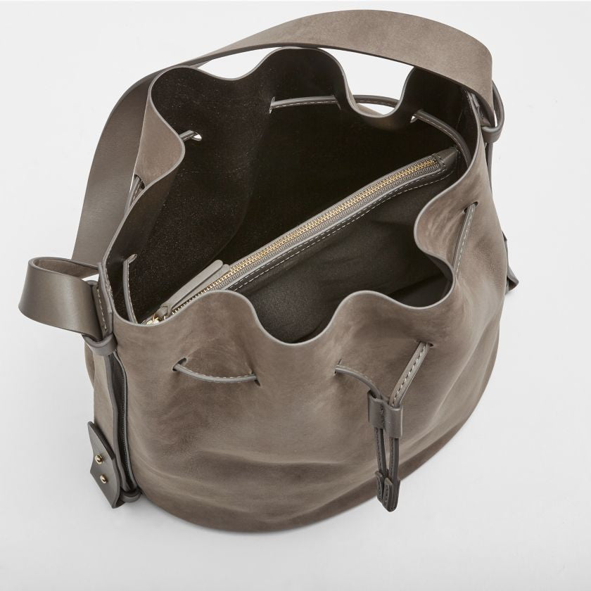 Mette Leather Bucket