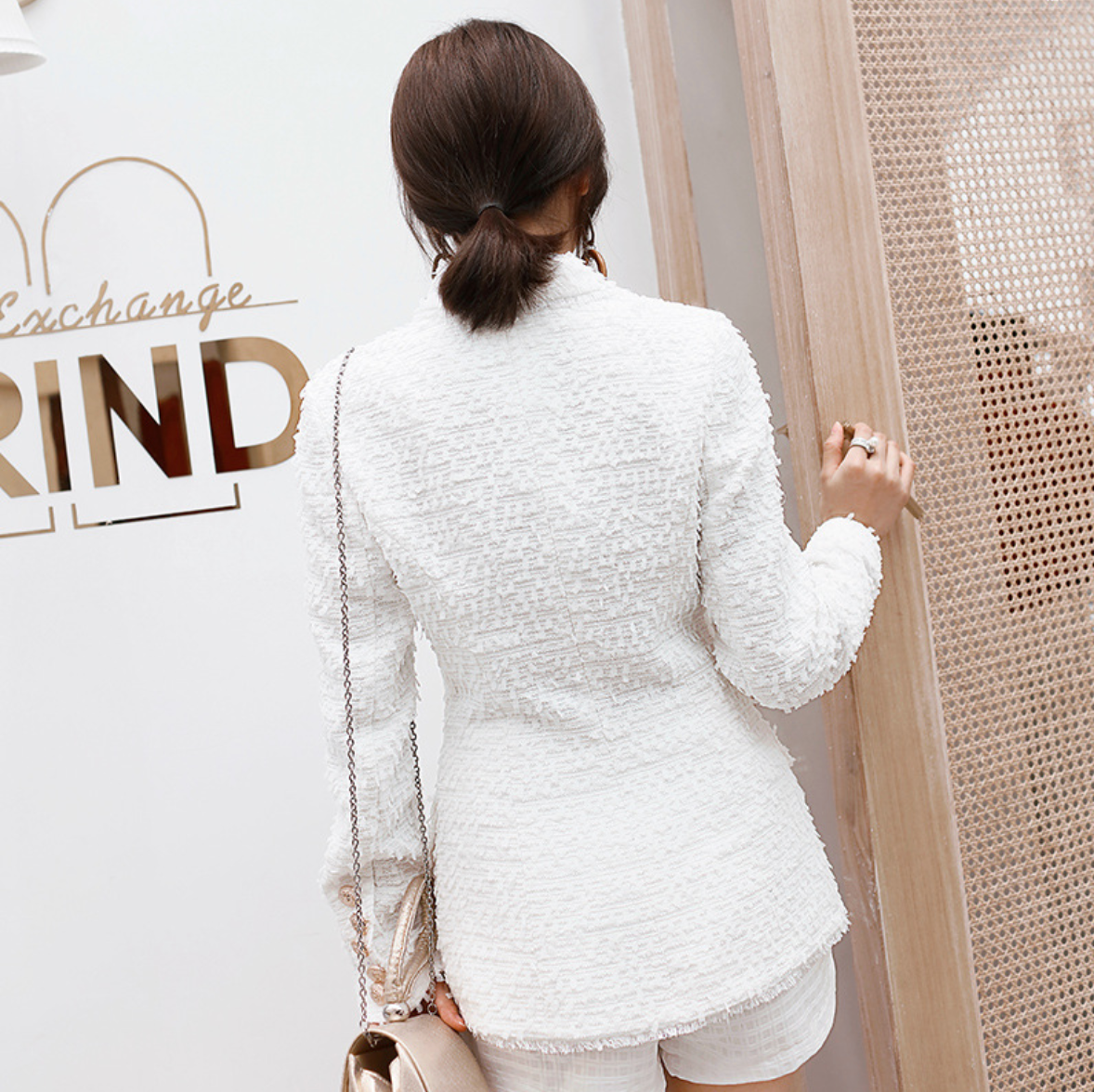 Stylish White  Long Sleeves Button Up Closure V Neckline Coat