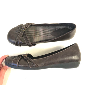 Nevada Womens Brown Flats Shoes Round toe Size 8M- AH18