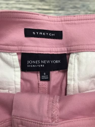 3 Pcs Women's Clothing Lot Jones New York Size 6 Shorts Rw&Co Sweater And Scarf AA20