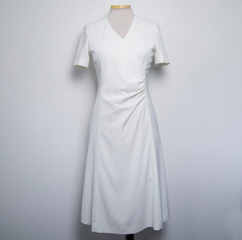 Ana Capri  Korean Brand Womens White Dress Short Sleeve Rouched front Knee Length Size Medium - RC53