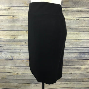 Chanel Womens Black Pencil skirt 100% Wool, Silk Lined Size 42 - II10