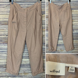 Wilfred Capri pants light pink Size 4