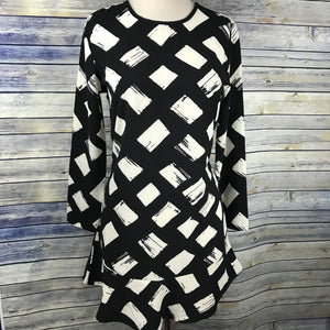 Mudpie Womens Tunic top or short dress black and cream NWT HH15