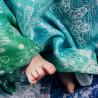LennyLamb Swaddle Wrap - Snow Queen Magic Lake