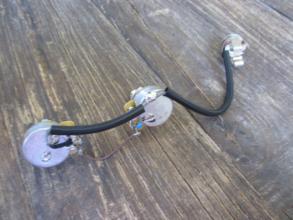 Gibson Les Paul CM Junior Wiring Harness | 500 kΩ Long Shaft Audio Taper Pots, Switchcraft Dual Contact Jack
